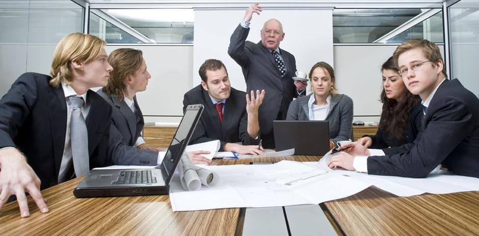 Tres estrategias para superar la brecha generacional en el trabajo